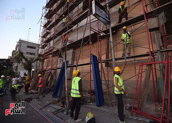 رئيس الوزراء يتفقد مبنى معهد الأورام ويزور مصابى الحادث الإرهابى (8)
