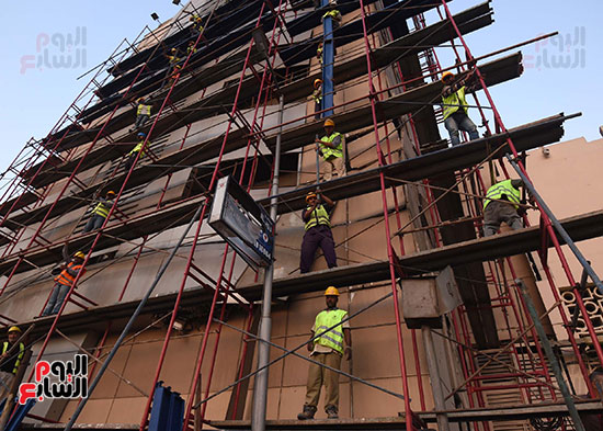 رئيس الوزراء يتفقد مبنى معهد الأورام ويزور مصابى الحادث الإرهابى (9)