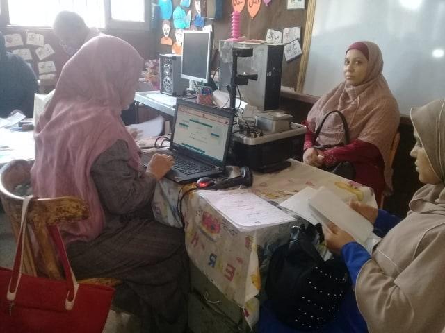 قافلة استخراج بطاقات الرقم القومي للمرأة  (1)