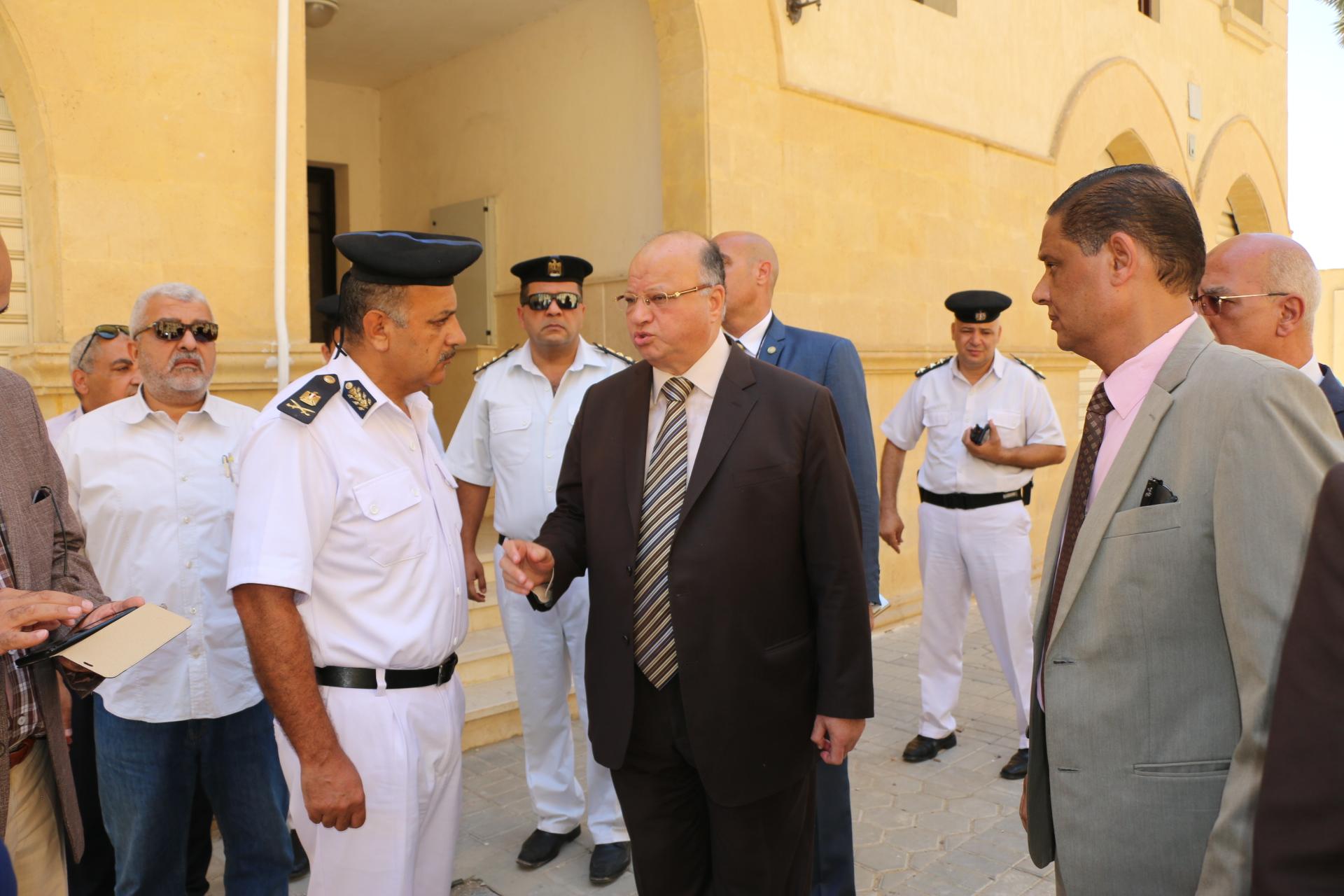 محافظ القاهرة يتفقد مشروع روضة السيدة  (1)