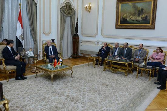 وزير الدولة للإنتاج الحربى يستقبل سفير الصين الجديد بالقاهرة (4)