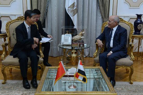 وزير الدولة للإنتاج الحربى يستقبل سفير الصين الجديد بالقاهرة (2)