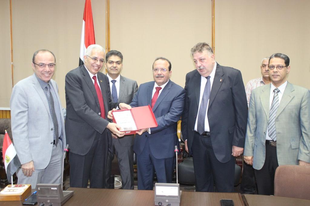 تكريم رؤساء كلية الطب بجامعة طنطا (5)