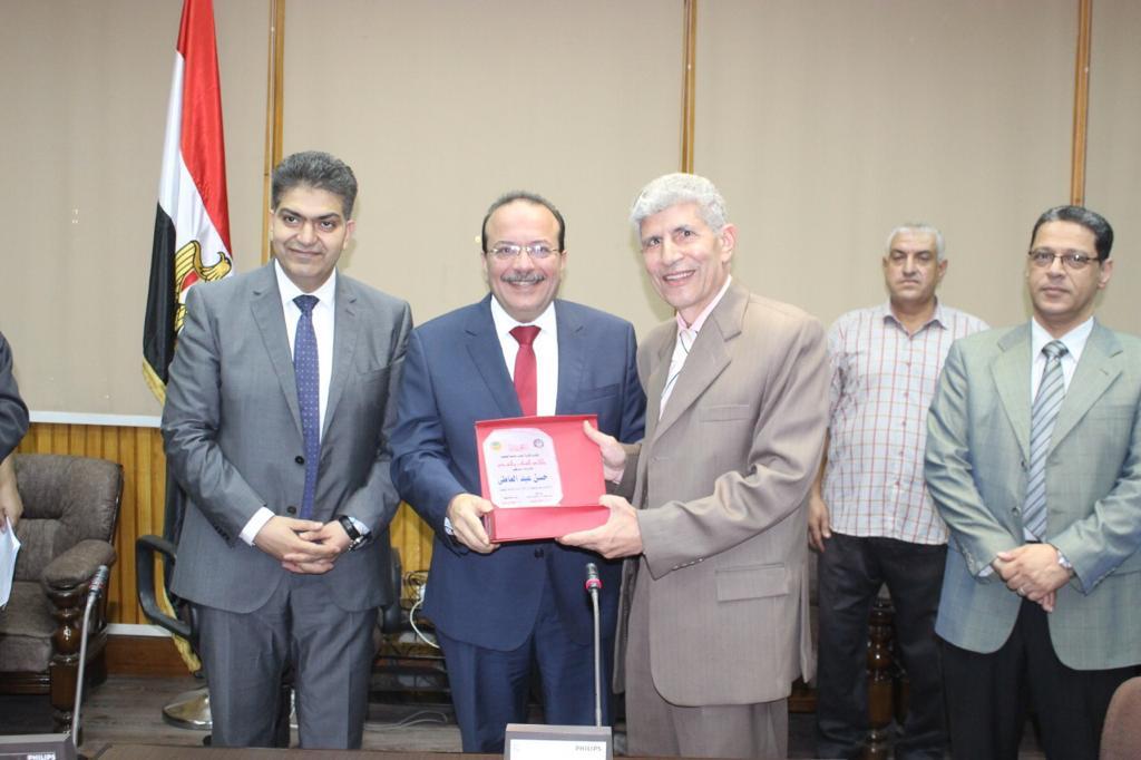 تكريم رؤساء كلية الطب بجامعة طنطا (3)