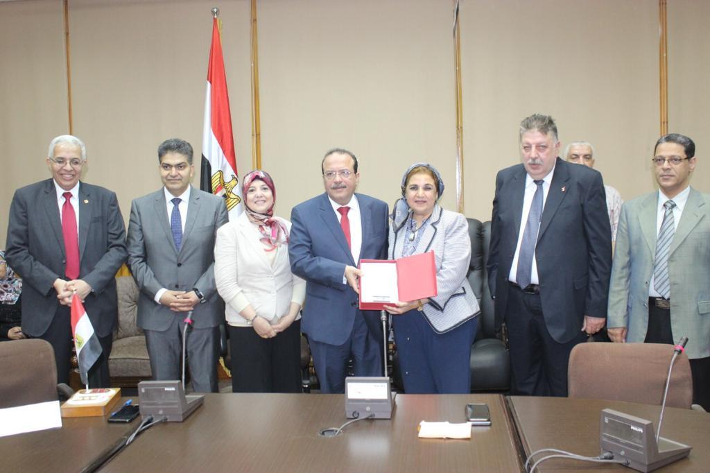 تكريم رؤساء كلية الطب بجامعة طنطا (7)