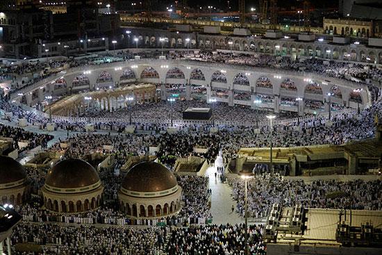 ملايين الحجاج يؤدون الصلاة بالمسجد الحرام (9)
