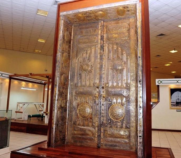صورة لباب الكعبة
