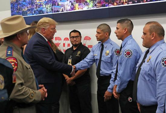 ترامب-يتحدث-إلى-أول-المستجيبين-في-أعقاب-عمليات-إطلاق-النار-الجماعية