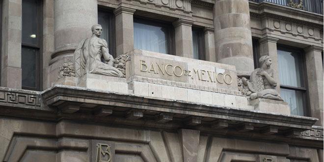 حكومة المكسيك بدأت تجميد العديد من المشاريع لتوفير السيولة