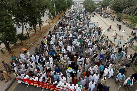 مسيرة فى بيشاور للتضامن مع كشمير