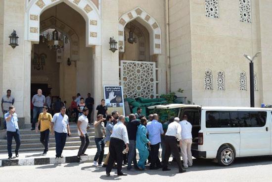 الدكتور أحمد نظيف يشيع جنازة والدته (7)