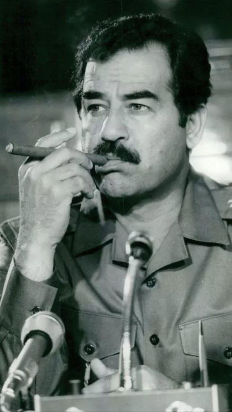 صدام حسين والسيجار
