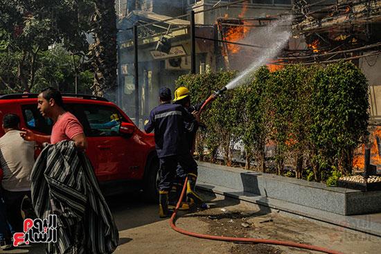 حريق هائل بفندق ، بحى الدقى (2)