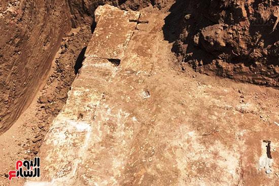 المعبد-الأثرى-المعثور-عليه-بقرية-كوم-أشقاو-(19)
