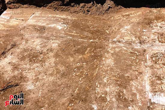 المعبد-الأثرى-المعثور-عليه-بقرية-كوم-أشقاو-(17)