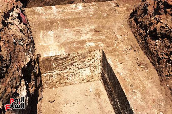 المعبد-الأثرى-المعثور-عليه-بقرية-كوم-أشقاو-(23)