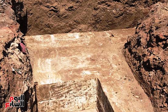 المعبد-الأثرى-المعثور-عليه-بقرية-كوم-أشقاو-(18)