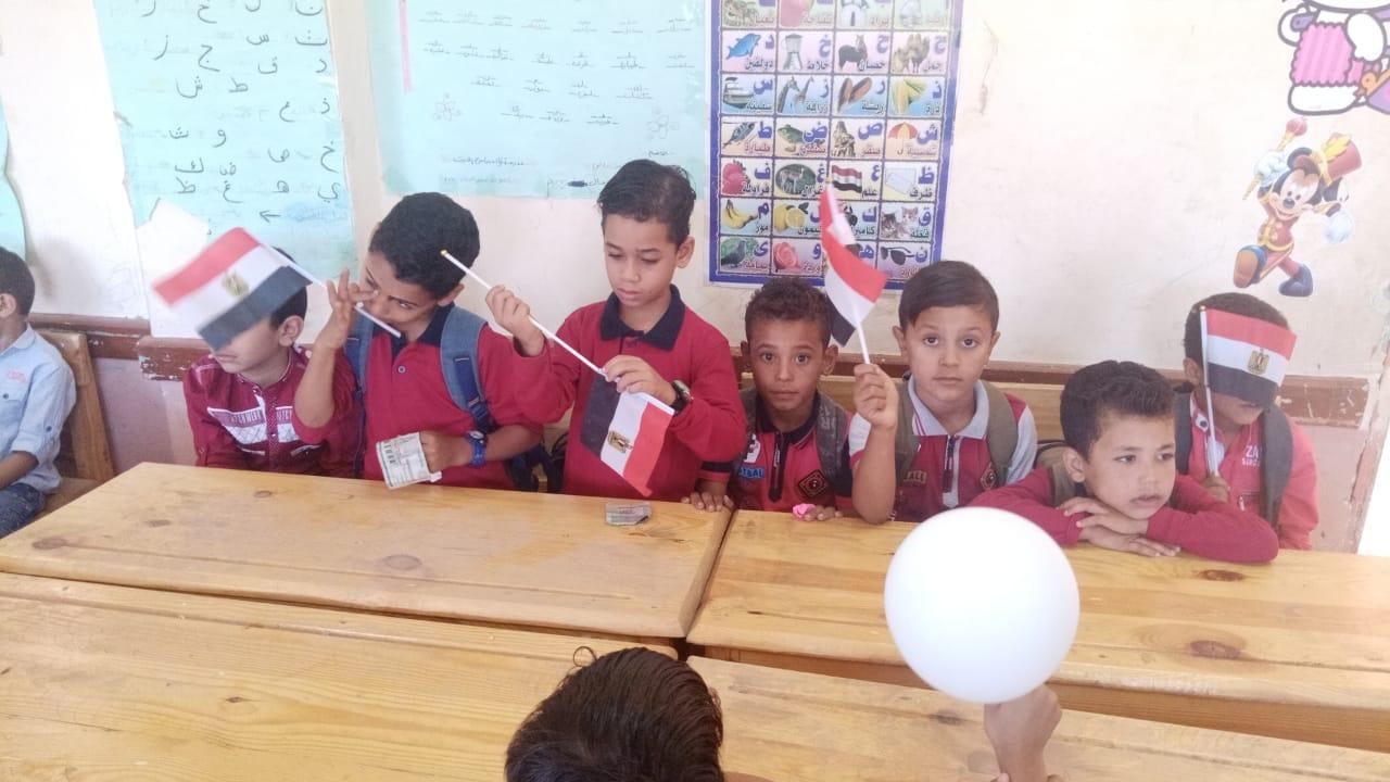 مدارس سوهاج تستقبل العام الدراسى بالاعلام (28)