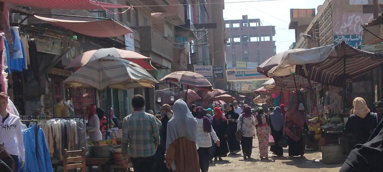 إشغالات الباعة الجائلين بشوارع القناطر
