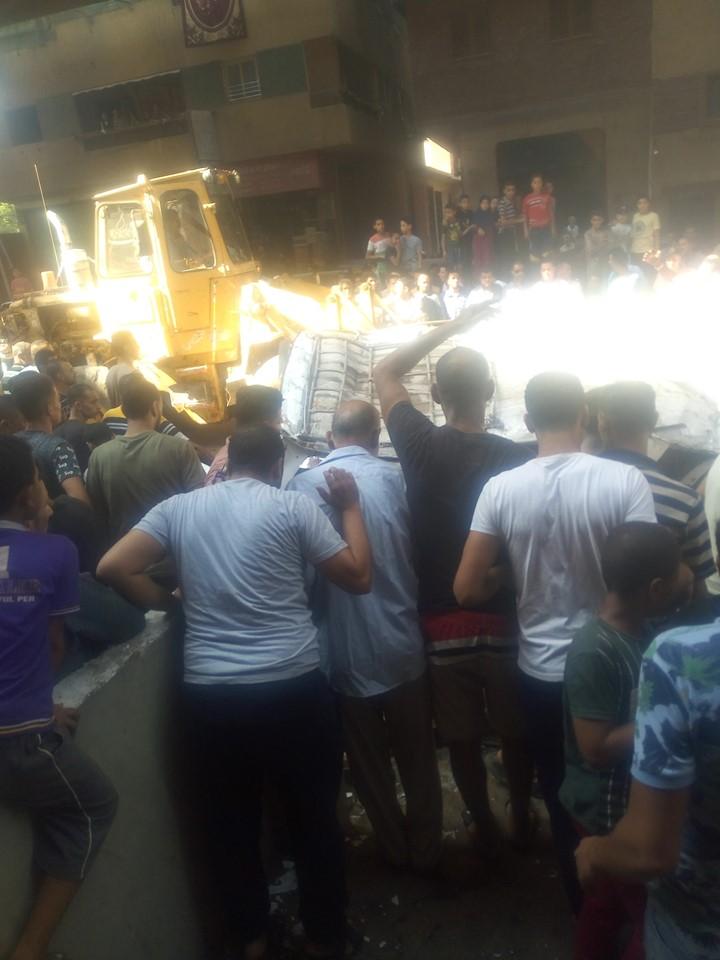 سقوط سيارة مكروباص من اعلى محور صفط نتج عنه عدد من الوفيات والمصابين (1)