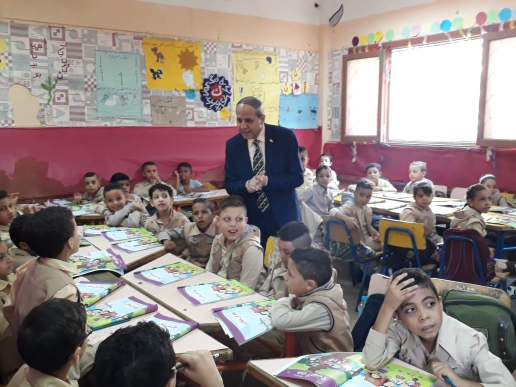 وكيل تعليم الفيوم يتفقد المدارس (4)