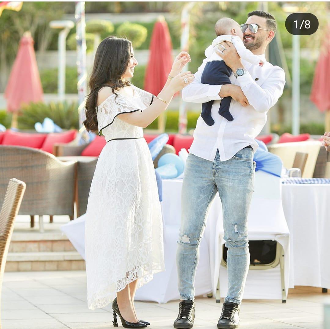 محمد عواد مع زوجته و نجله