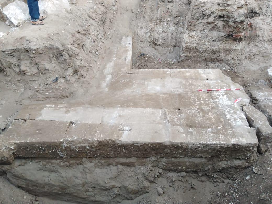 الأجحار المكتشفة بسوهاج (1)