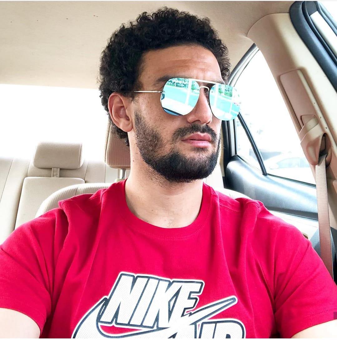 محمد عواد بالنضارة الشمسية