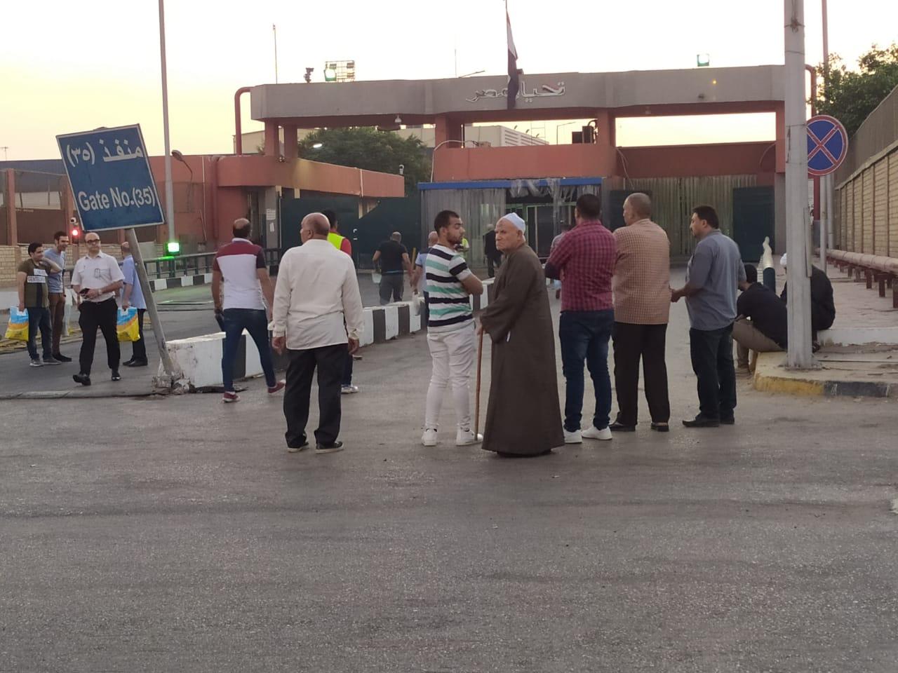وصول جثمان عالم الذرة المصرى أبو بكر عبد المنعم (2)
