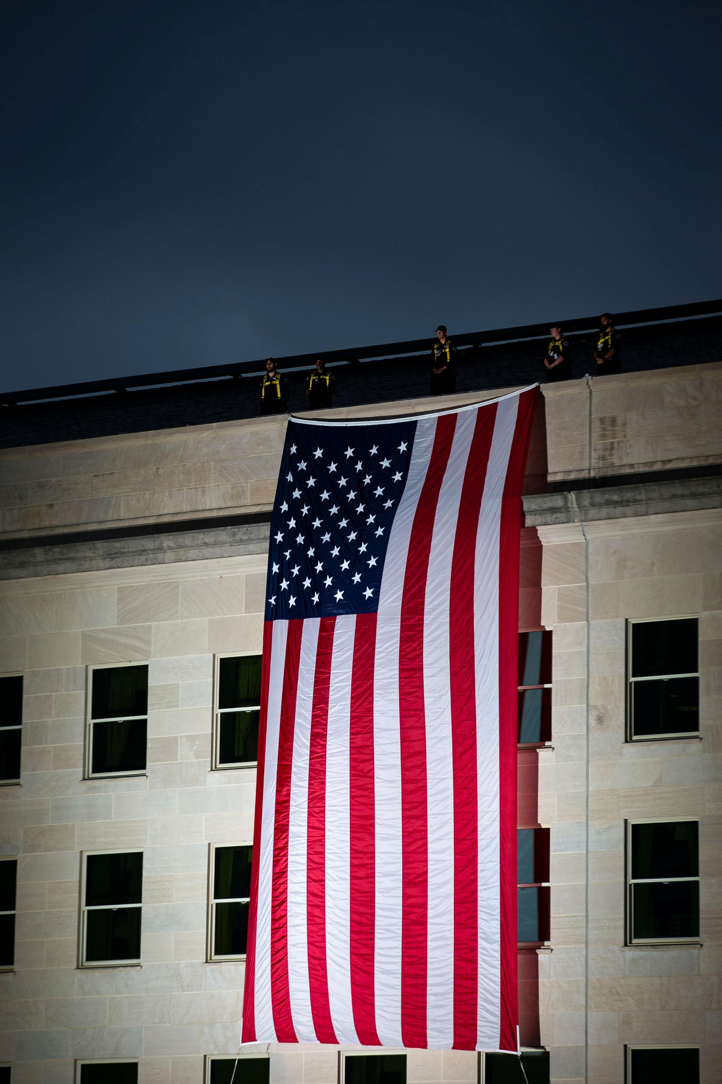 تنكيس الأعلام حدادا على أرواح ضحايا 11 سبتمبر