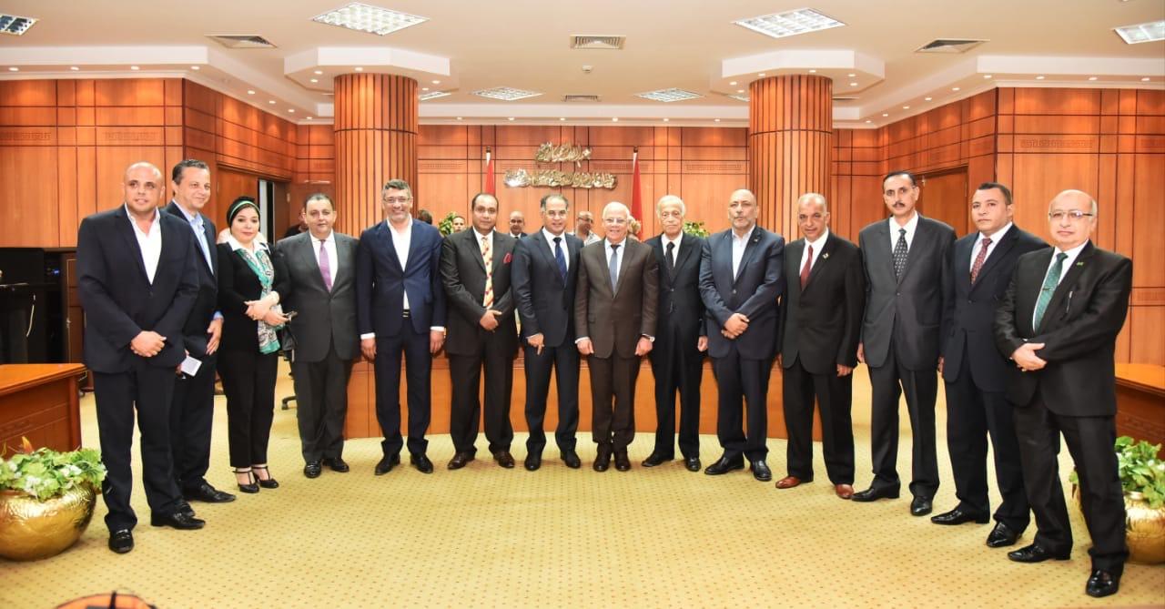 محافظ بورسعيد وأعضاء حزب الوفد (4)