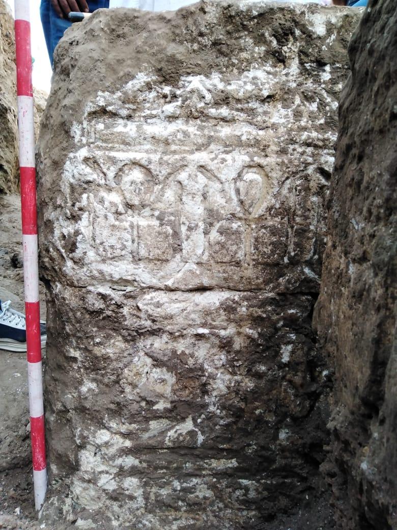 الأجحار المكتشفة بسوهاج (2)