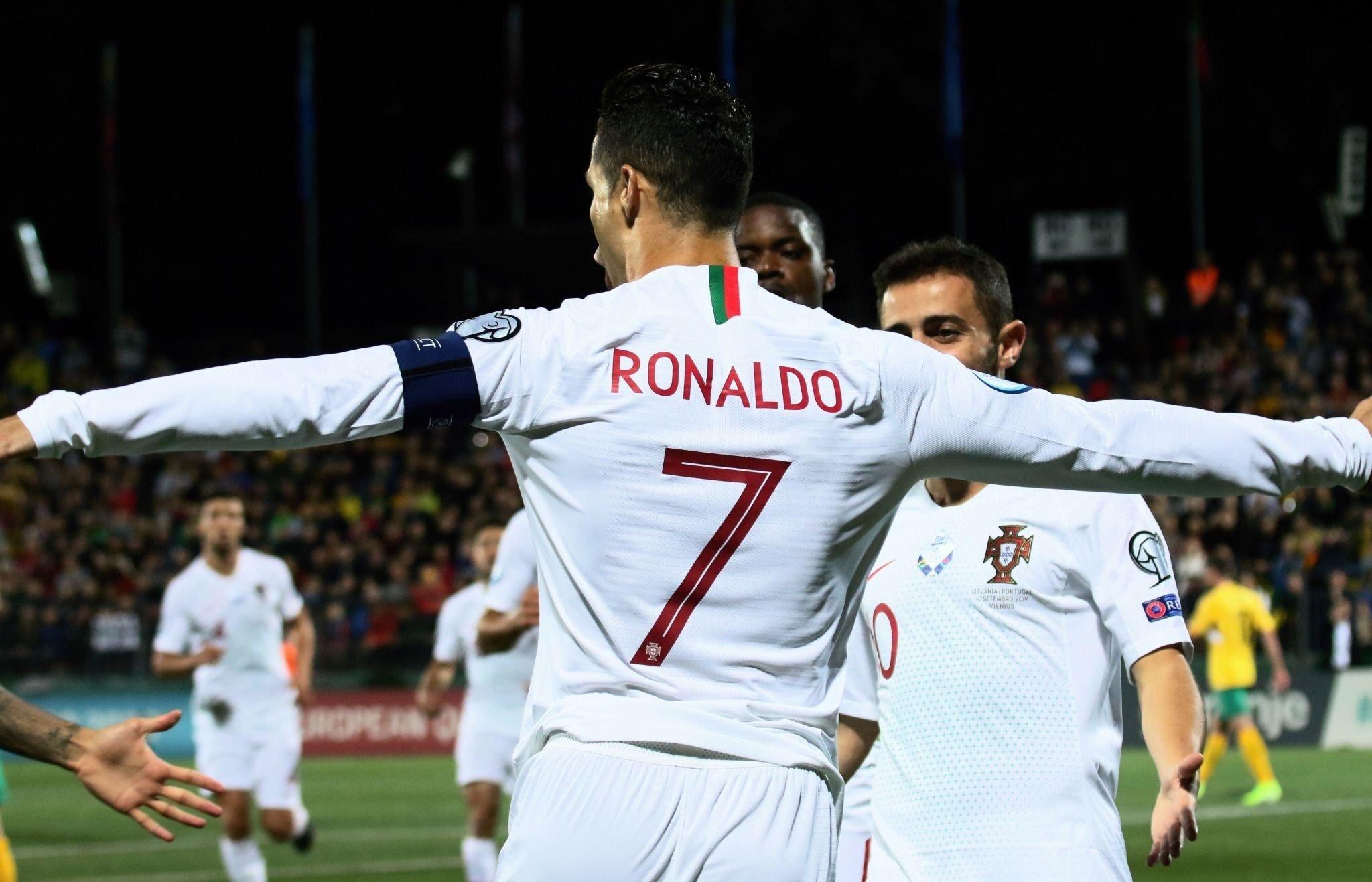 كريستيانو رونالدو وبرناردو مع منتخب البرتغال