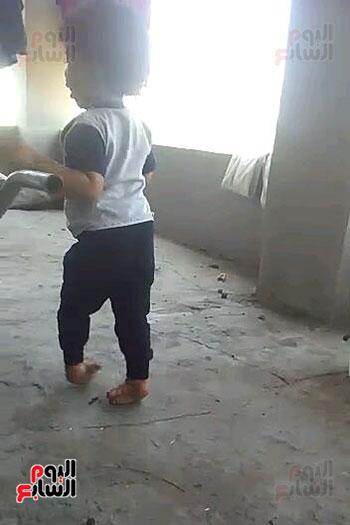 معاناة طفل بالشرقية (3)