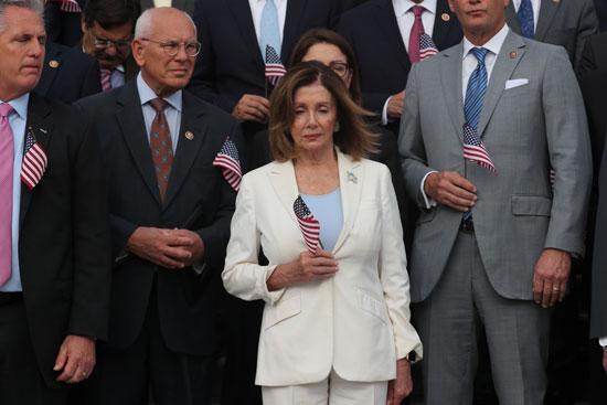 نانسى-بيلوسى-ووفد-من-الكونجرس