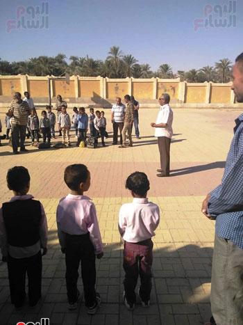 مدارس الأقصر تستقبل تلاميذ رياض الأطفال والصف الأول والثاني الإبتدائي (10)