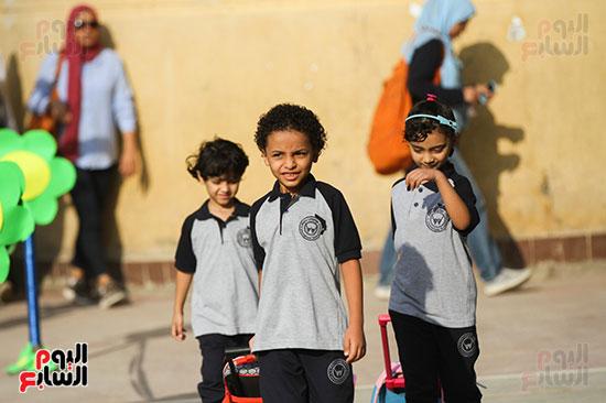 توافد التلاميذ على المدارس (3)