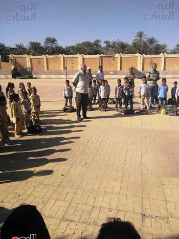 مدارس الأقصر تستقبل تلاميذ رياض الأطفال والصف الأول والثاني الإبتدائي (4)