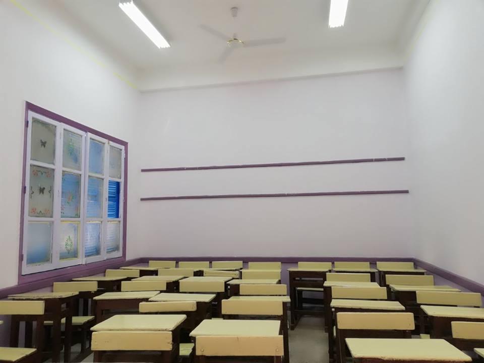 الفصول بالمدارس تنتهى من الإستعدادات لإستقبال الطلبة والتلاميذ