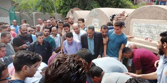 تشييع جثمان العالم المصرى أبو بكر عبد المنعم (10)