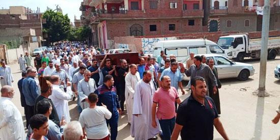 تشييع جثمان العالم المصرى أبو بكر عبد المنعم (4)