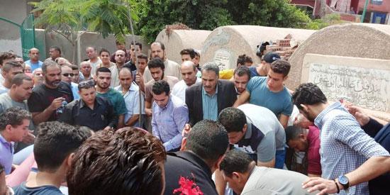 تشييع جثمان العالم المصرى أبو بكر عبد المنعم (5)