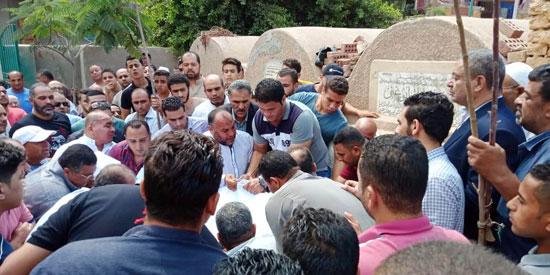 تشييع جثمان العالم المصرى أبو بكر عبد المنعم (12)