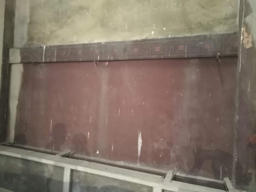 اللون الأصلى للحوائط