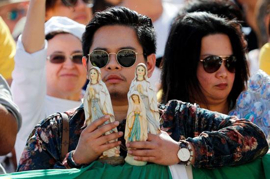 الجمهور بانتظار حضور البابا