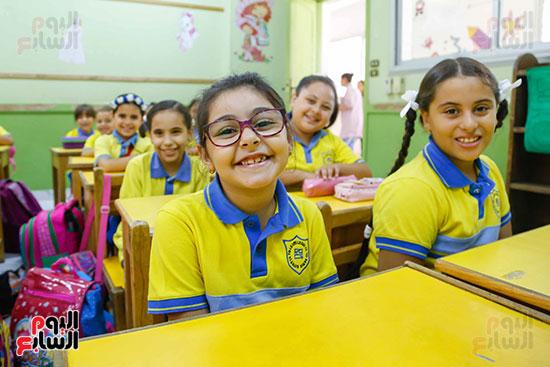 ابتسامة الطلاب داخل الفصل