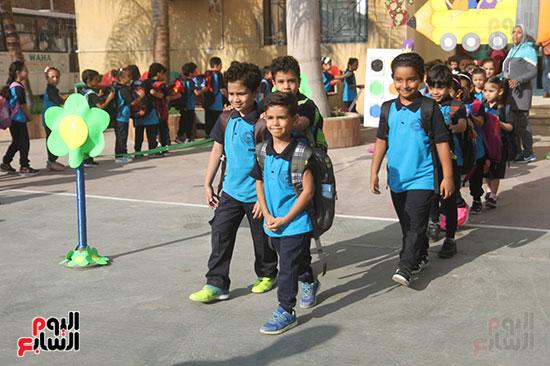 توافد التلاميذ على المدارس (16)