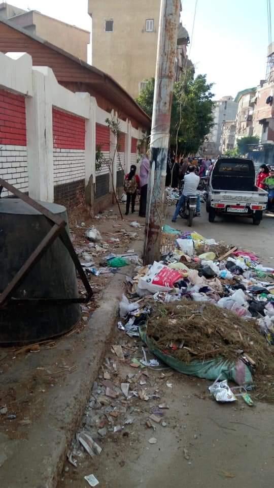 القمامة بجوار المدارس (1)