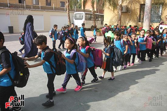 توافد التلاميذ على المدارس (11)