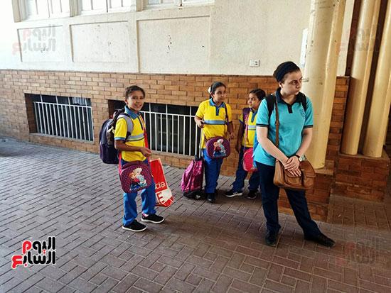 الطلاب-فى-انتظار-دخول-الفصول